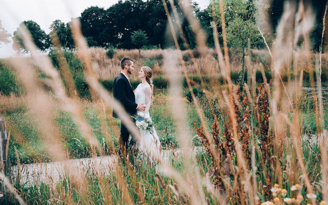 Jenny & Roman – Eine rustikale Freie Trauung im Grünen