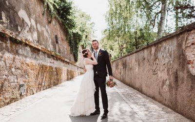 Janna & Bret – Freie Trauung im Rosengarten