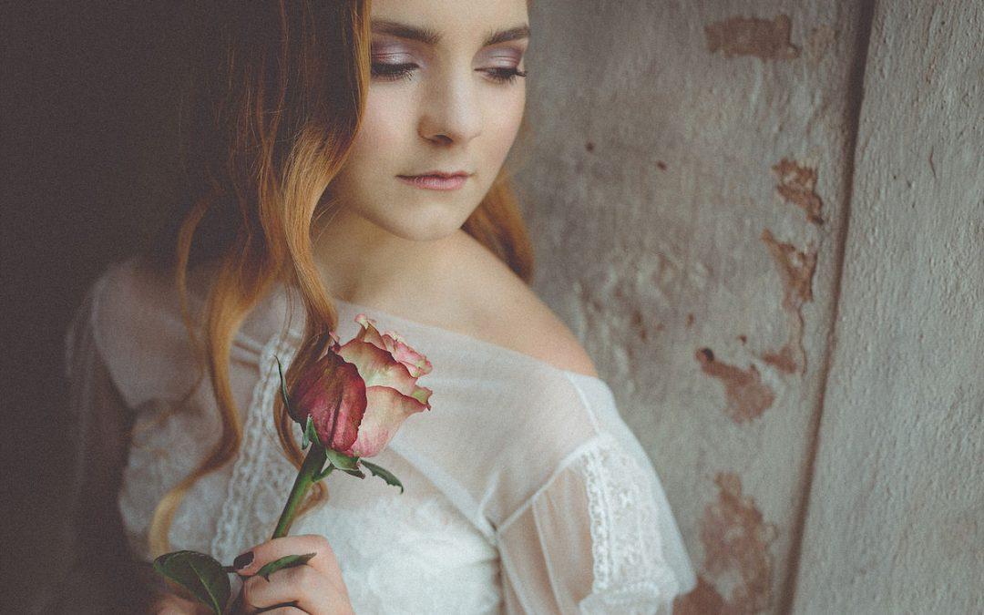 Zart & sinnlich – Eine Bridalstyle Inspiration wie aus längst vergangener Zeit