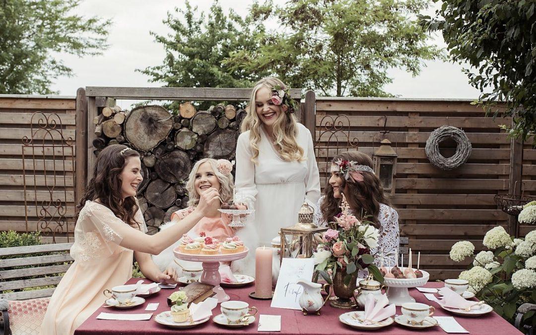 It's time for tea ladies! – Eine vintage Bridalparty Inspiration mit Teeparty