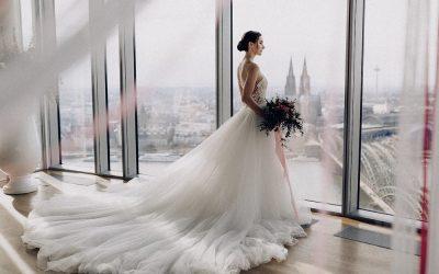 Bridalstyle Inspiration über den Wolken im KölnSky