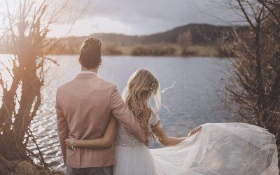 Hochzeitsinspiration für rustikale Trauungen auf einem Rittergut