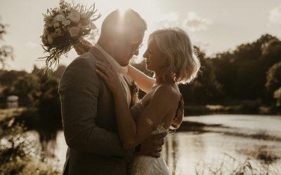 Sina & Max – Eine zarte Greenery Hochzeit am Wasser