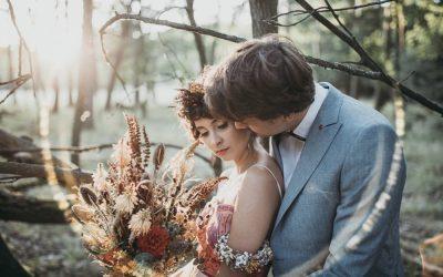 Indian Summer – Inspiration eines Elopements zwischen Makramees und Trockenblumen