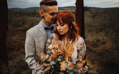 Ein herbstliches Farbspektakel – Inspiration für rustikale Herbsthochzeiten im Bohostil