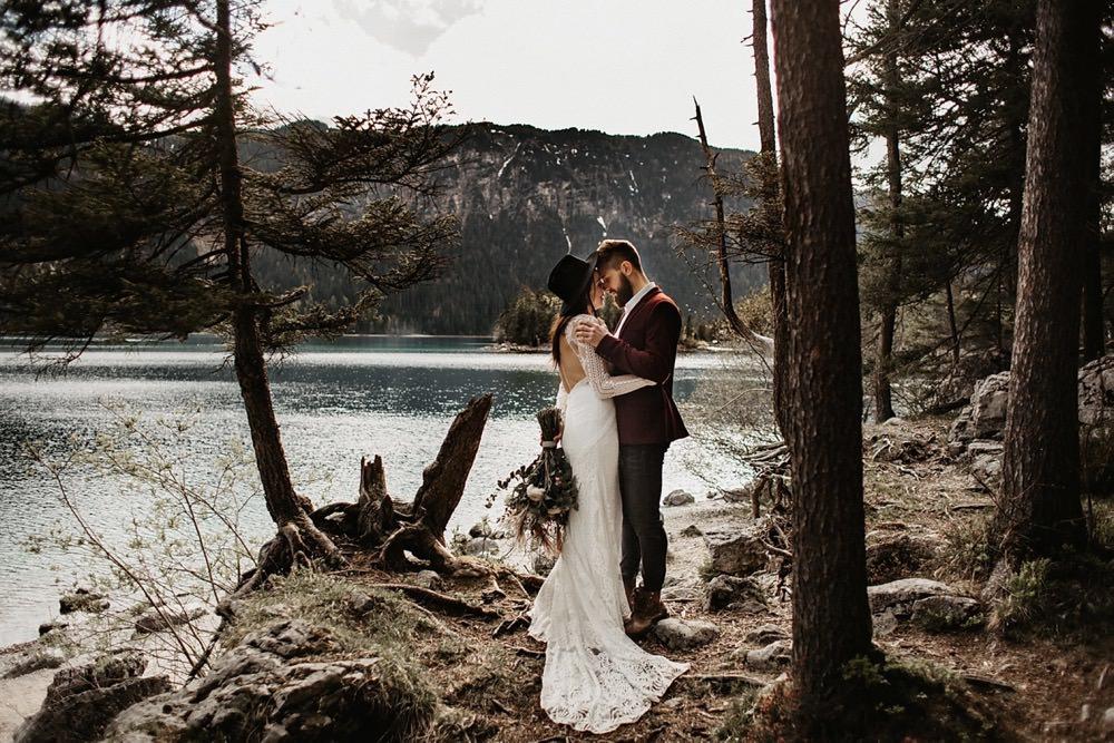 Wild Boho Elopement am Eibsee – Eine magische Boho Hochzeitsinspiration