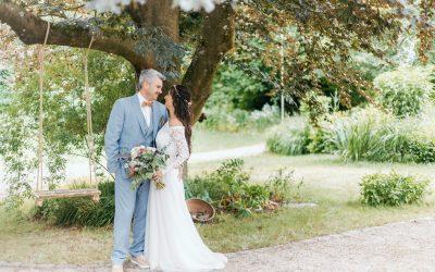 Janine & Oliver – Eine sommerliche Bohohochzeit im Grünen
