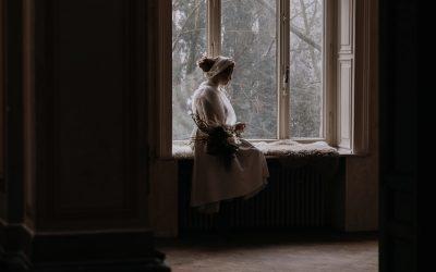 Moody Bohemian – Eine farbintensive Hochzeitinspiration in einer verlassenen Villa