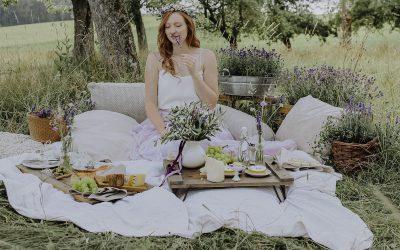 Lavender Bridalparty – Inspiration einer sommerlichen Brautparty im Grünen mit mediterranem Flair