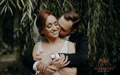 Der Hochzeitstrend – Verliebt, verlobt, GETRAUT VON FREUNDEN mit HERZBANDE