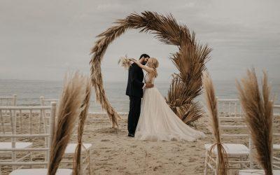Bohemian Beach Bar Wedding – Eine Traumhochzeit an einem paradiesischen Strand Griechenlands