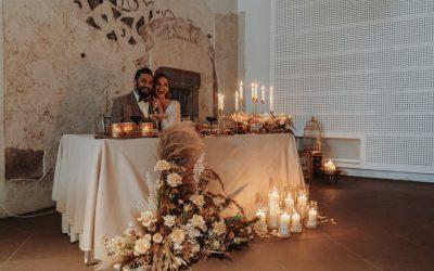 New Twenties – Eine Inspiration für Gatsby Boho Glam Hochzeiten in edlen Toffeetönen