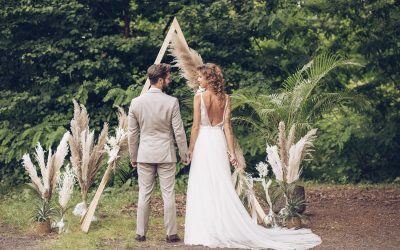 Tropical Summer meets Barn Wedding – Eine tropische Sommerhochzeit mit rustikalem Scheunencharme